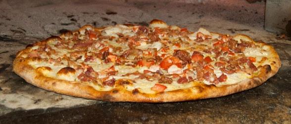 Rico's Chicken & Bacon Ranch Pizza